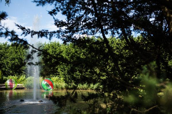 Feestlocatie Activiteiten AquaBubble op het water met fontein