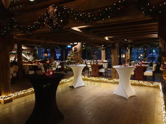 Feestlocatie Landhuis dansvloer met kerst decoratie
